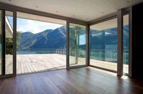 attico con vista montagne e lago